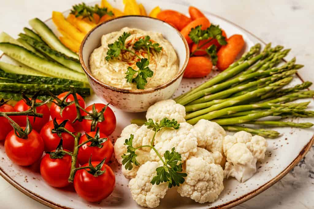 hummus vegetable platter